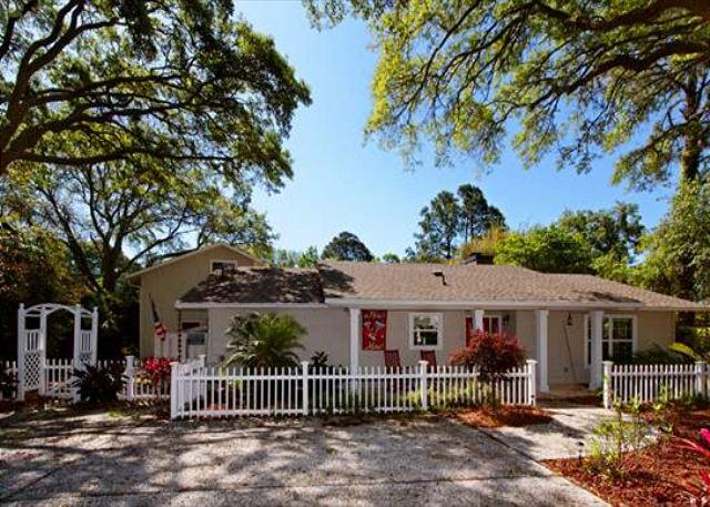 Folly Field 44 - Beautiful Renovated 5BR/4BA Home with Great Pool 3 Minute Walk to Beach - Hilton Head - rentals