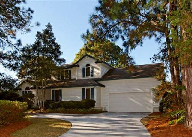 Full Sweep 64 - Charming 4BR/2.5BA Ranch Home on 7th green of Golf Course has Private Pool - Palmetto Dunes - rentals