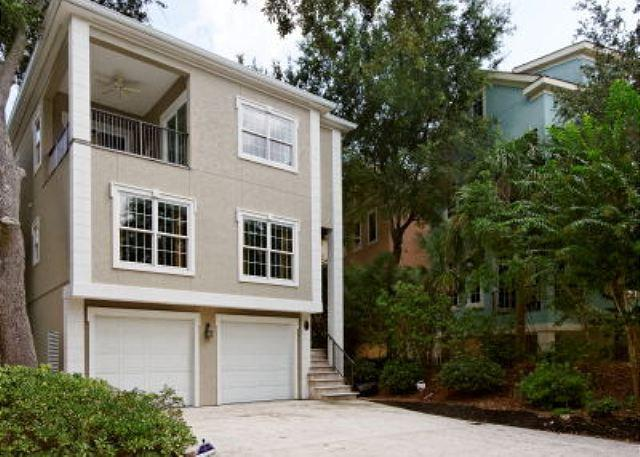 Henry Lane 11 - Wonderful 4BR/4BA Home in Newest Area of HHI Surrounded by Colorful Homes - Palmetto Dunes - rentals