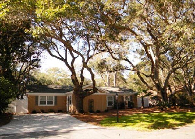 Mimosa 3 - Charming, 4BR/2BA Cottage has Just Been Completely Renovated and Refurbished - Hilton Head - rentals