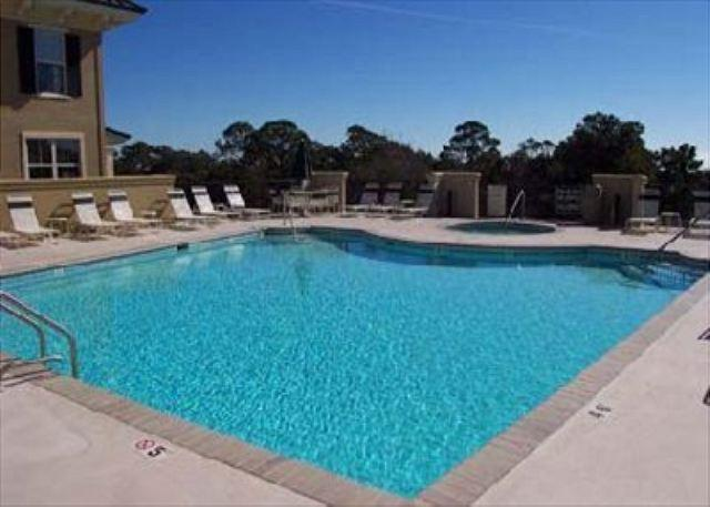 Rooftop Pool - Exquisite Redecorated 2BR/2BA Villa is Spectacular and 1 Block from Ocean - Hilton Head - rentals