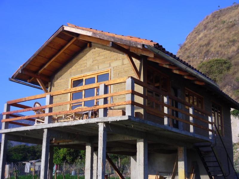 front of house faces the East - I bedroom Chalet - San Juan la Laguna - rentals