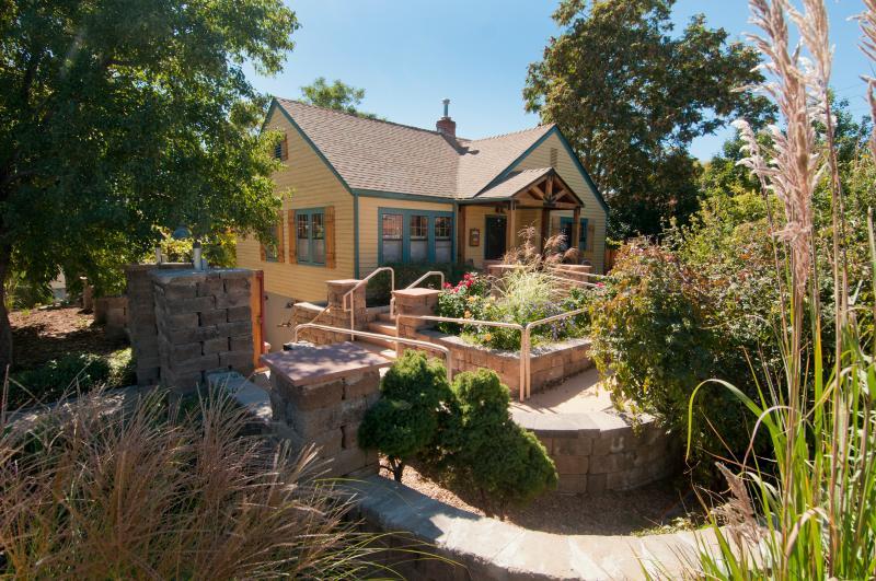 Home View - Cottage HI DA WAY, near University of Denver - Denver - rentals
