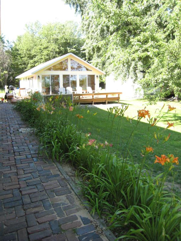 Van Auken Lake Cottage - Image 1 - Bangor - rentals