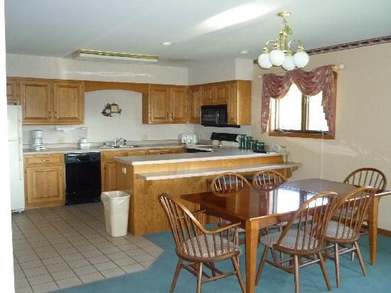 kitchen - Fox Hills Resort Mishicot, Green Bay, Door County, - Mishicot - rentals