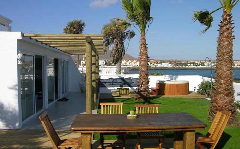 Casazep Tres - Oceanfront Villa - Image 1 - Corralejo - rentals