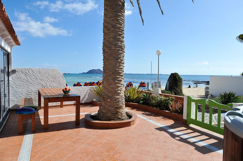 Casazep Sirenas - Beachfront townhouse - Image 1 - Corralejo - rentals