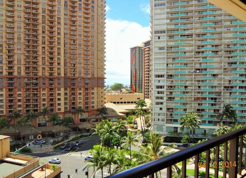 view of hilton time share - Spacious 2BR/2BA + DEN next to Hilton Village - Honolulu - rentals