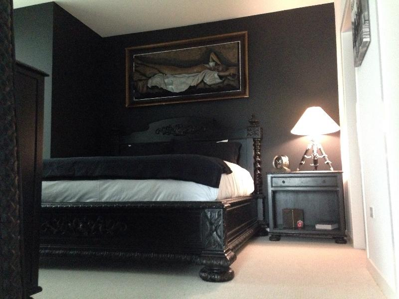 Master Suite with King size Bed - Gorgeous River North apt with 2 BDR, 2 BA, & Den - Chicago - rentals