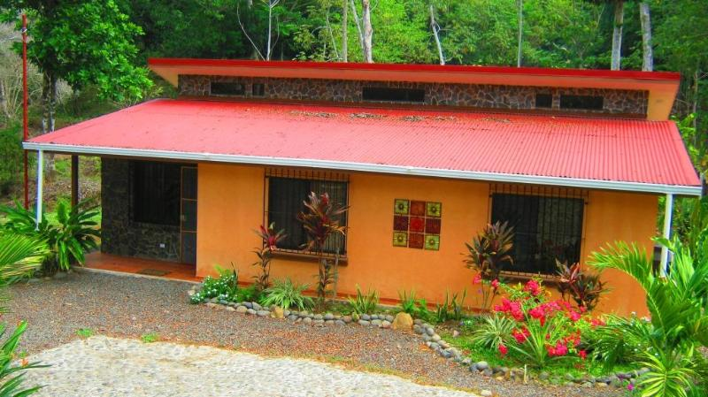 House view - Vacation house - surrounded by nature private location - Tarcoles - rentals