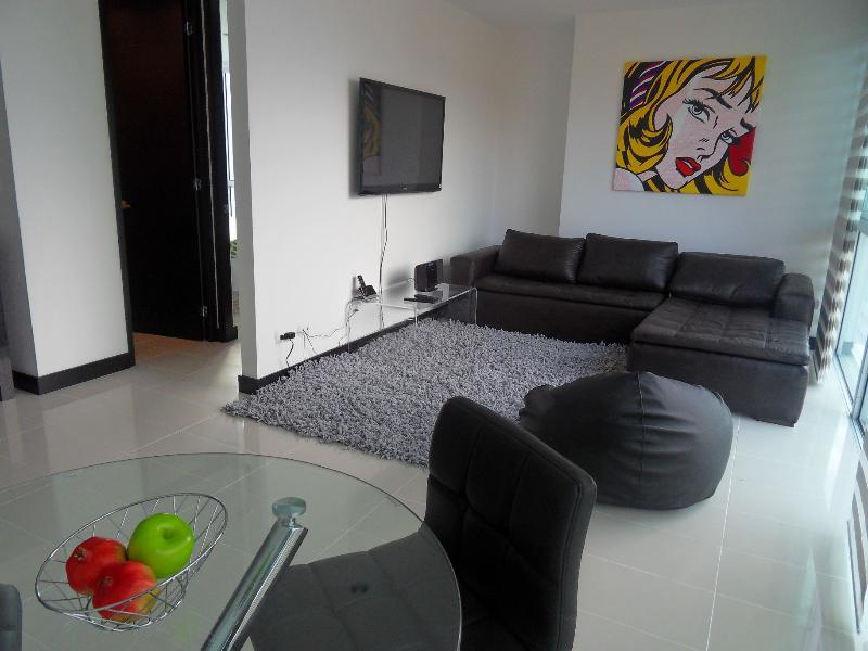 NEW - 2b/2ba w/ Rooftop Pool, Gym, WALK everywhere - Image 1 - Medellin - rentals