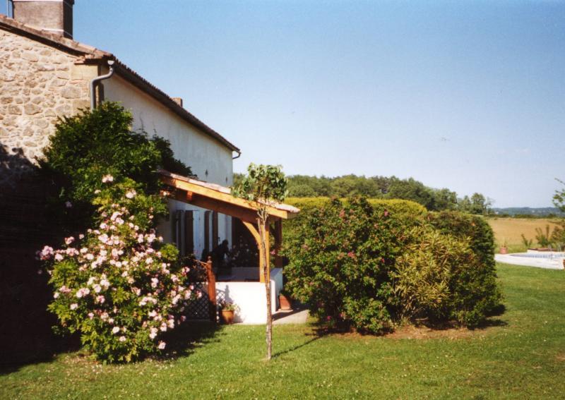Private 18th Century Restored Farmhouse - Image 1 - Seyches - rentals