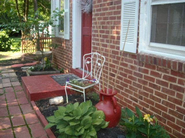 Outside to the cottage - Executive Rental Cottage - Charlotte - rentals