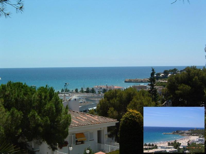 Seaview from house and Beach - Spacious apt.seaview,4min walking to beach,pool. - Tarragona - rentals
