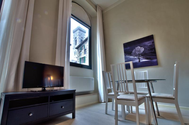 MORGANA, 50m close to Florence Cathedral - Image 1 - Florence - rentals