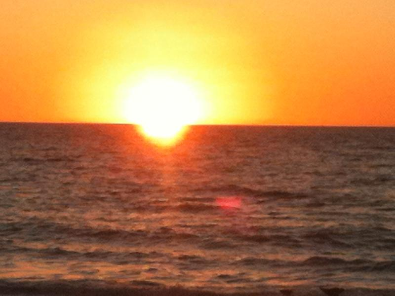 sunset over the gulf - Free Sunsets on anna maria island - Holmes Beach - rentals