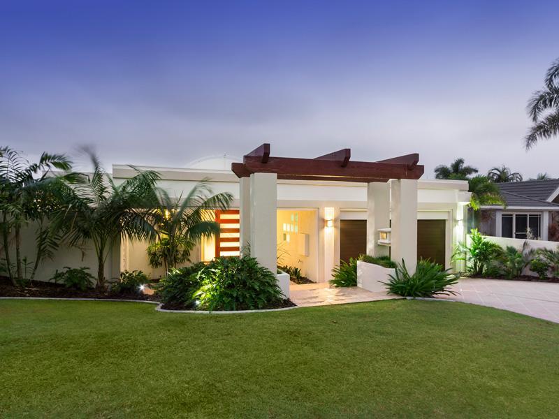 Street View - Large 5 Bedroom, 4 Bathroom Home - Sanctuary Cove - Gold Coast - rentals