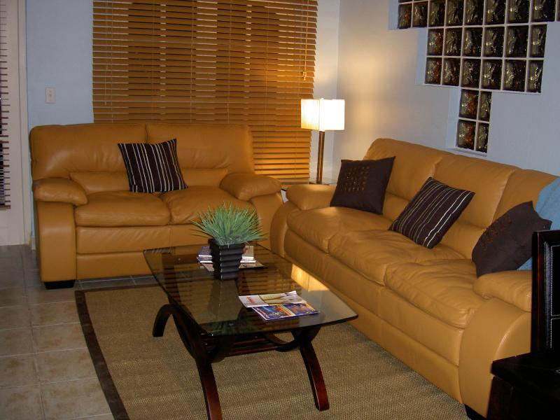 LIVING ROOM - Luxury Ground Floor End Unit - Palm/Eagle Beach - rentals