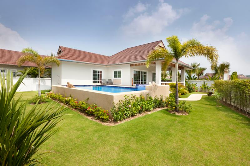 beautiful villa in quiet new resort - Image 1 - Hua Hin - rentals