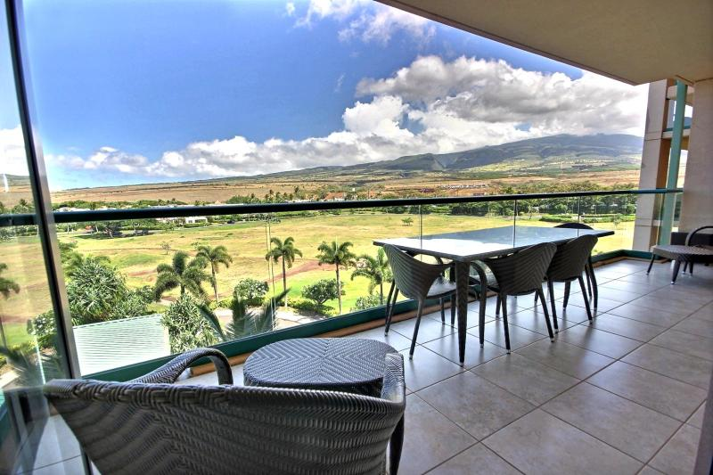 Beautiful views of the West Maui Mountains. If your lucky you will catch multiple rainbows throughout your stay.  - Honua Kai #HKK-524 Kaanapali, Maui, Hawaii - Ka'anapali - rentals