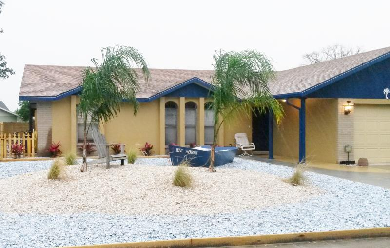 Relax at The Seascape - THE SEASCAPE  PRIVATE POOL, HOT TUB, GAME ROOM - Bradenton - rentals