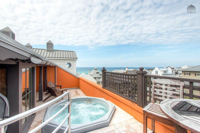 Enjoy cocktails and conversation in the hot tub on the rooftop deck....with a gulf view! - Penthouse condo in downtown Rosemary Beach with private elevator, rooftop deck, hot tub, and ocean views - Antigua Penthouse - Seacrest Beach - rentals