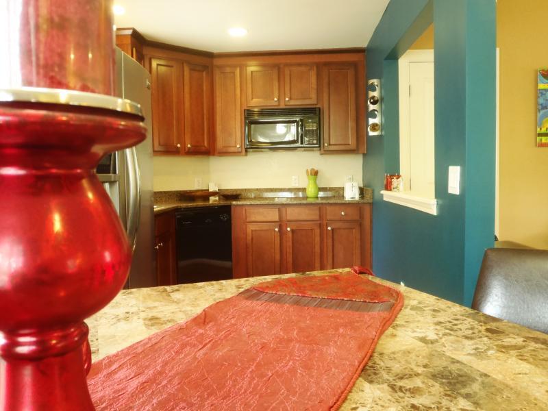 View of kitchen - Split-level Loft in town - Atlanta - rentals