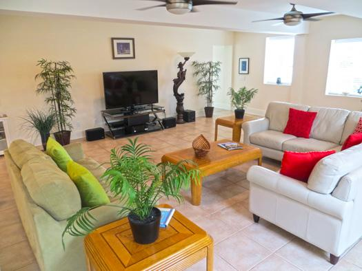 Living room - Mermaid's Castle - prices listed may not be accurate - Tybee Island - rentals
