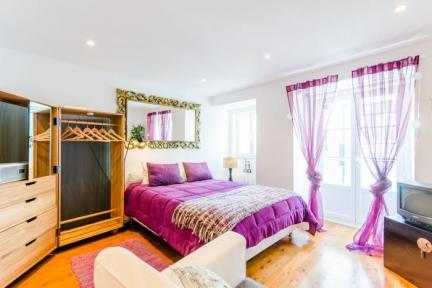 Apartment in Bairro Alto Chiado - Image 1 - Lisbon - rentals