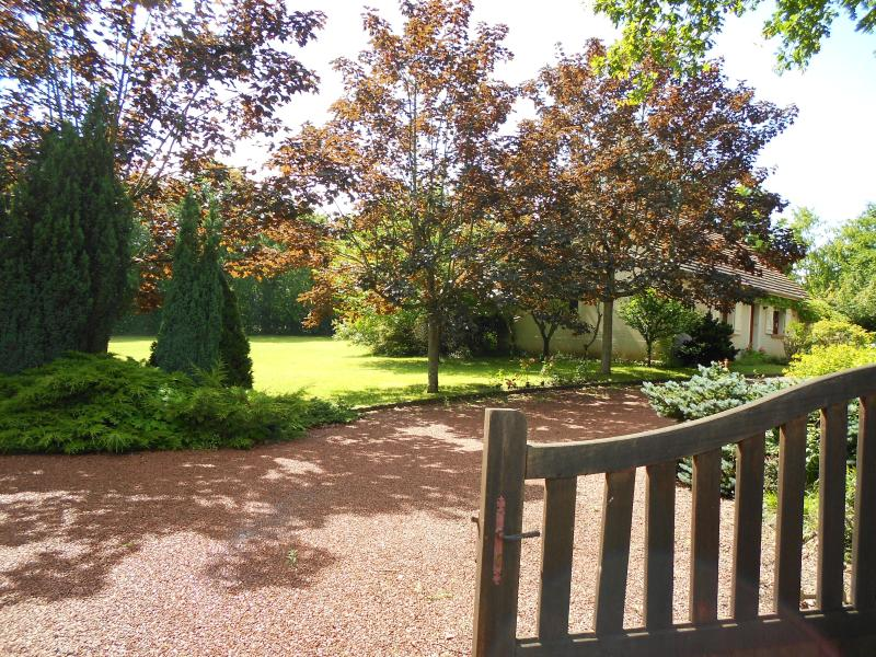 House in Cuzion, Southern Loire - Image 1 - Eguzon-Chantome - rentals