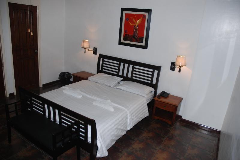 Bedroom - 1 Bedroom Luxury Apartment Makati Avenue - Makati - rentals