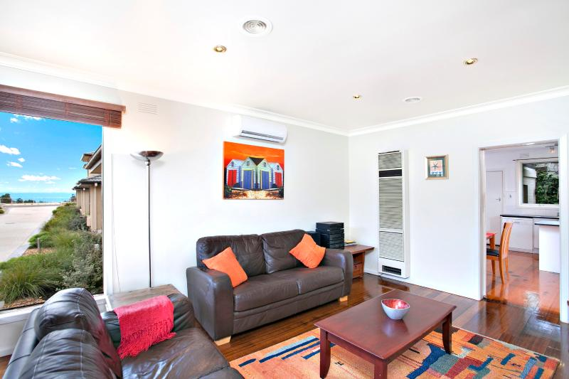 Views of the Bay house - Child & Pet friendly - Image 1 - Sandringham - rentals