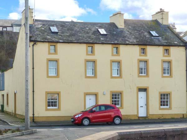 SUNDOWN, spacious, end-terrace cottage, harbour views, close to amenities, in Maryport, Ref 904888 - Image 1 - Maryport - rentals
