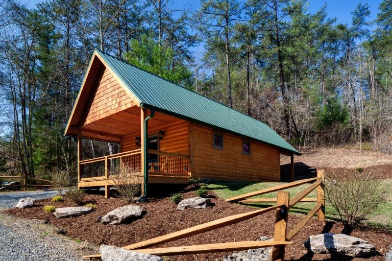 Exterior ~ Red Bird - Laurel Mountain Retreat - Red Bird - Weaverville - rentals