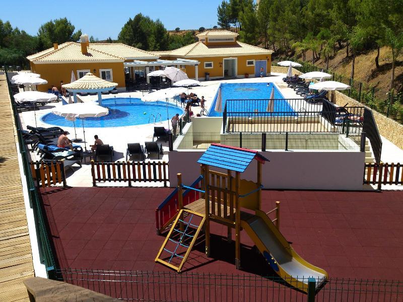 2 Bedroom Independent Villa in Great Resort - CASTRO MARIM - REF. CMG138162 - Image 1 - Castro Marim - rentals