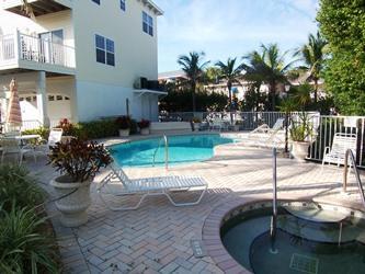 Pool and spa - Bermuda Bay Club 26 - 1437 - Bradenton Beach - rentals