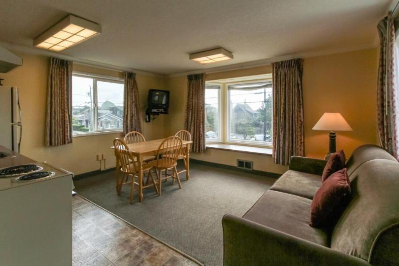 Sandcastle: Swell Suite (#604) - Image 1 - Cannon Beach - rentals