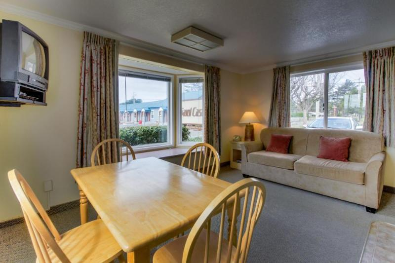 Sandcastle: Sand Dollar Suite (#601) - Image 1 - Cannon Beach - rentals