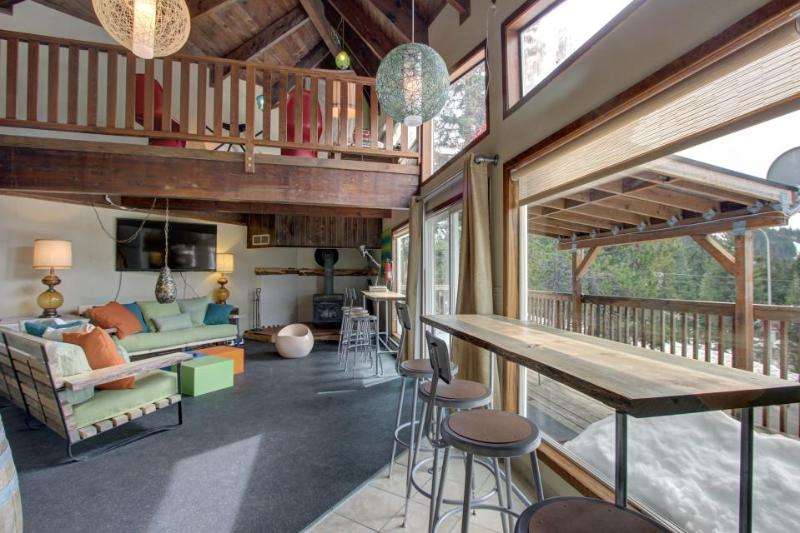 Three bedroom home w/ forest views, close ski access! - Image 1 - Government Camp - rentals