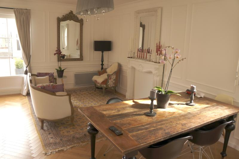 The dining room with a large table for 8 persons - Luxury house for up to 8 persons Disneyland Paris - Serris - rentals
