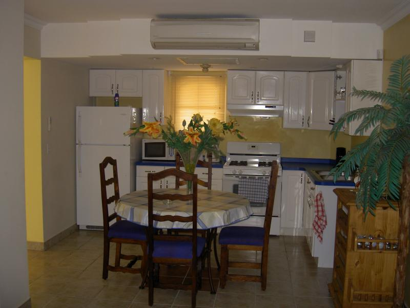 DINING AREA - End Unit With A View !! - Palm/Eagle Beach - rentals
