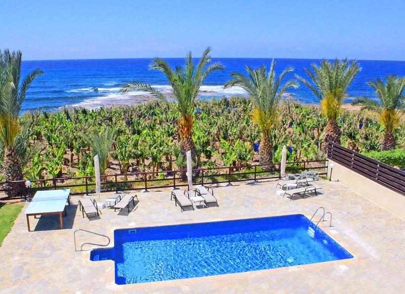 Seafront villa in Kissonerga - Image 1 - Lachi - rentals