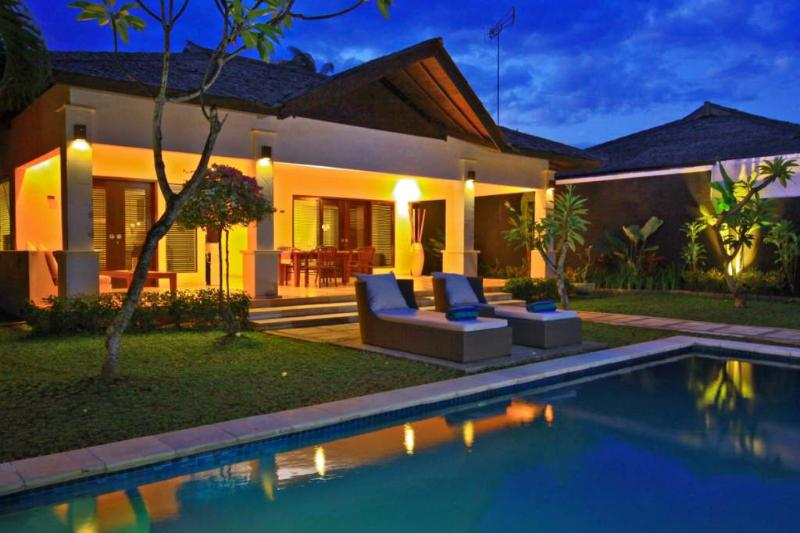 Expansive Garden and Private Pool Villa - B15 2BDR Pool + Staff + BFast + Spa - Seminyak - rentals