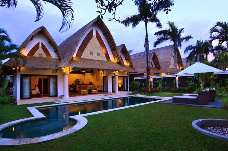 Expansive Garden and Private Pool Villa - B17 2BDR Luxury Pool + Staff +BFast - Seminyak - rentals