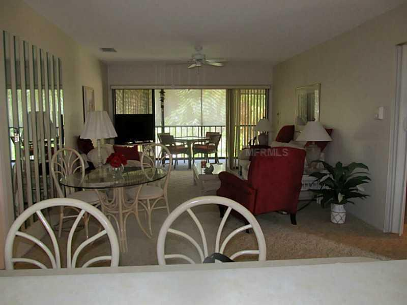 Spacious Living Room to Lanai - Beautiful 2/2 condo in Forest Park - Englewood - rentals