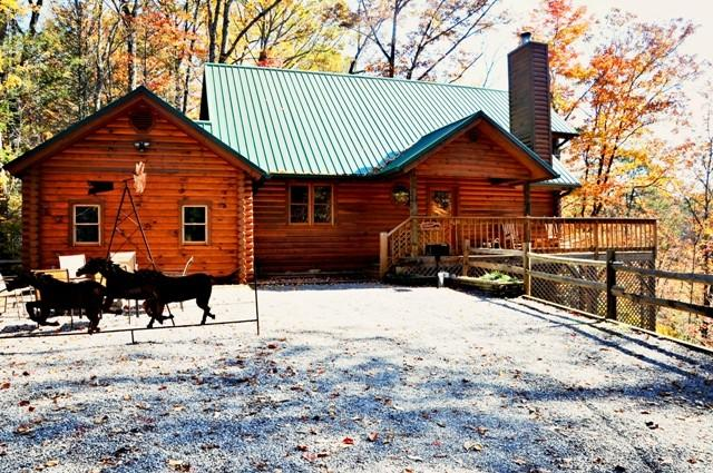 Unbridled Memories Log Cabin with Spectacular View - Image 1 - Gatlinburg - rentals