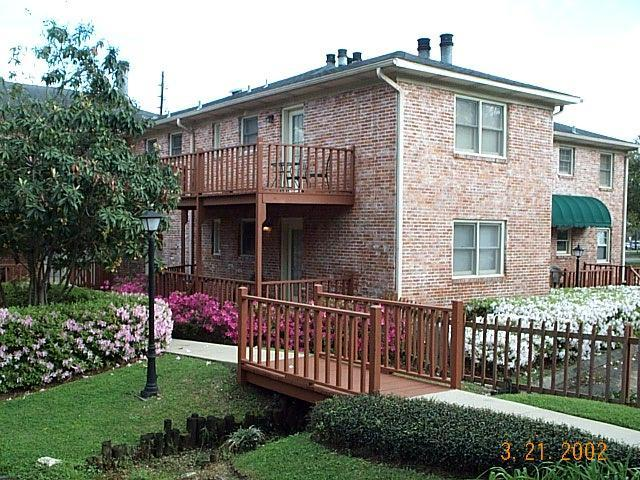 DOWNTOWN AMENITIES WITH PROFESSIONAL ATMOSPHERE - Image 1 - Tallahassee - rentals
