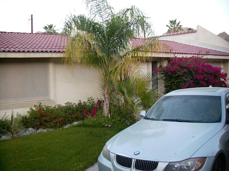 Driveway and Entry - Casa Santa Rosa - La Quinta - Private Pool Home - La Quinta - rentals