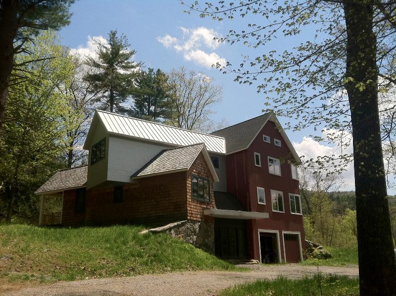 NW Country Home - Quiet Country Contemporary Home on 5 Private Acres - West Cornwall - rentals
