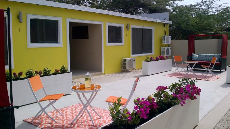cozy little private area for morning coffee or evening cappuccino. - Aruba Palm Beach Suites - 5 mins walk to beach! - Palm/Eagle Beach - rentals